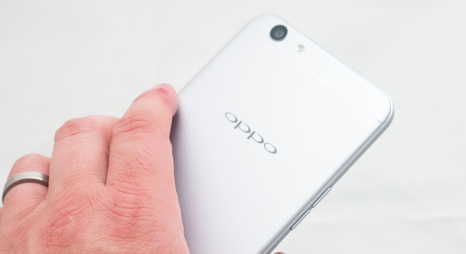 Review Oppo F1s