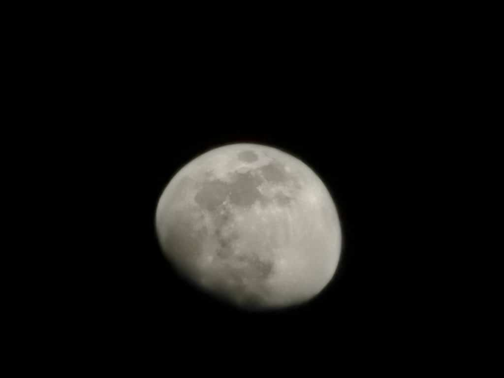 Moon shot at 50x zoom on the Huawei P30 Pro