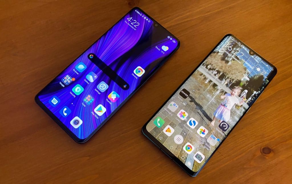 Xiaomi Mi Note 10 (left) and Huawei P30 Pro (right)