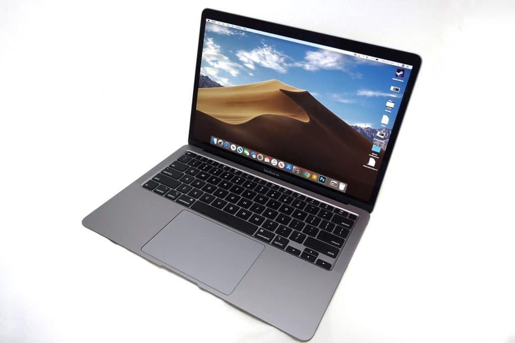 Apple MacBook Air (2020)