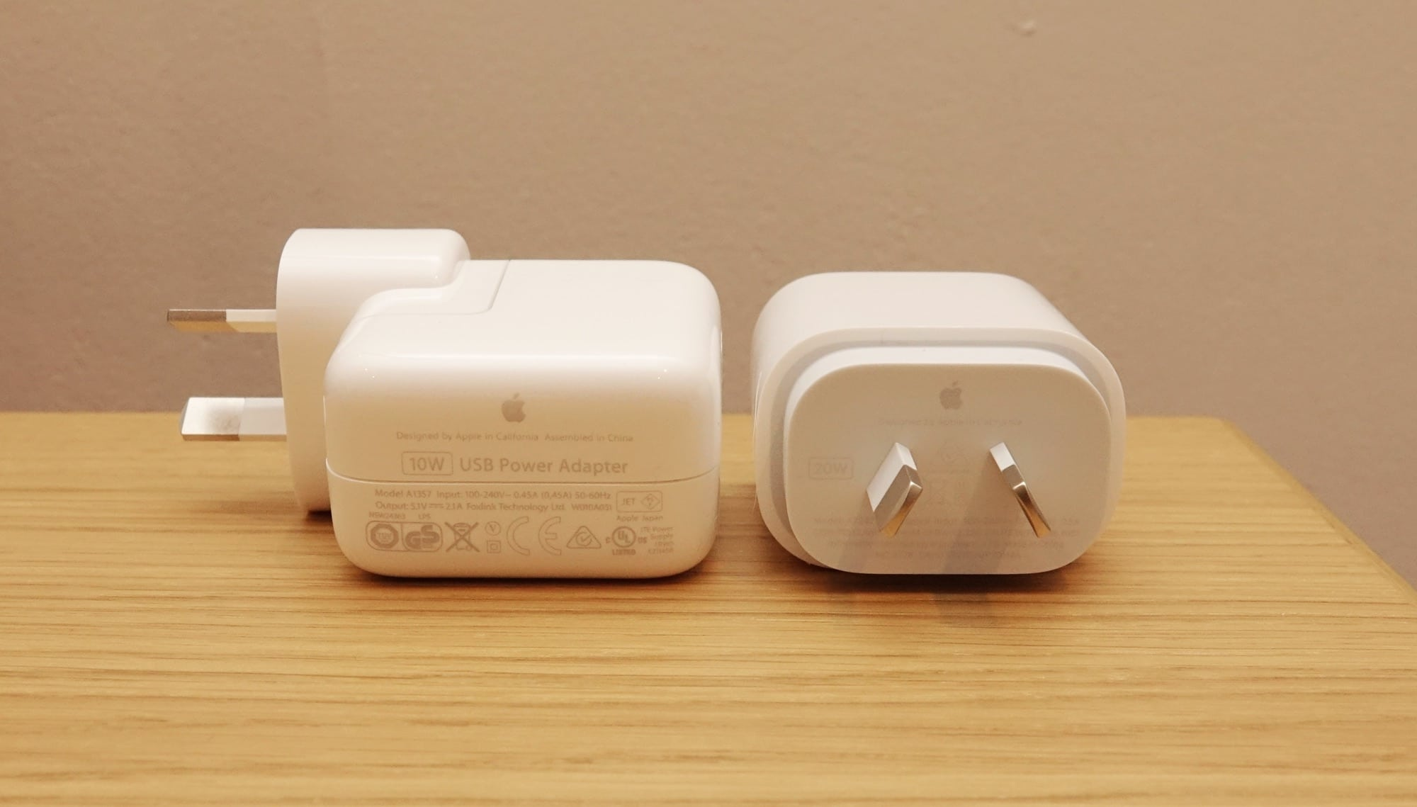 The difference in iPad charge connectors: the 10W with the iPad 7th gen (left) vs the 20W with the iPad 8th gen