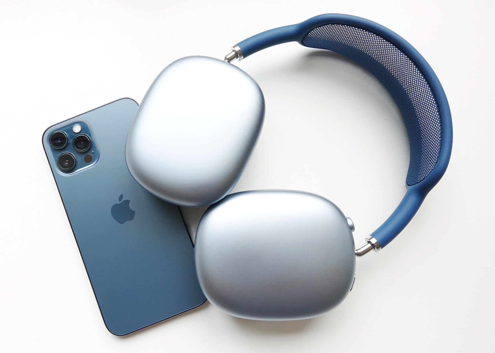 AirPods Max on the iPhone 12 Pro Max